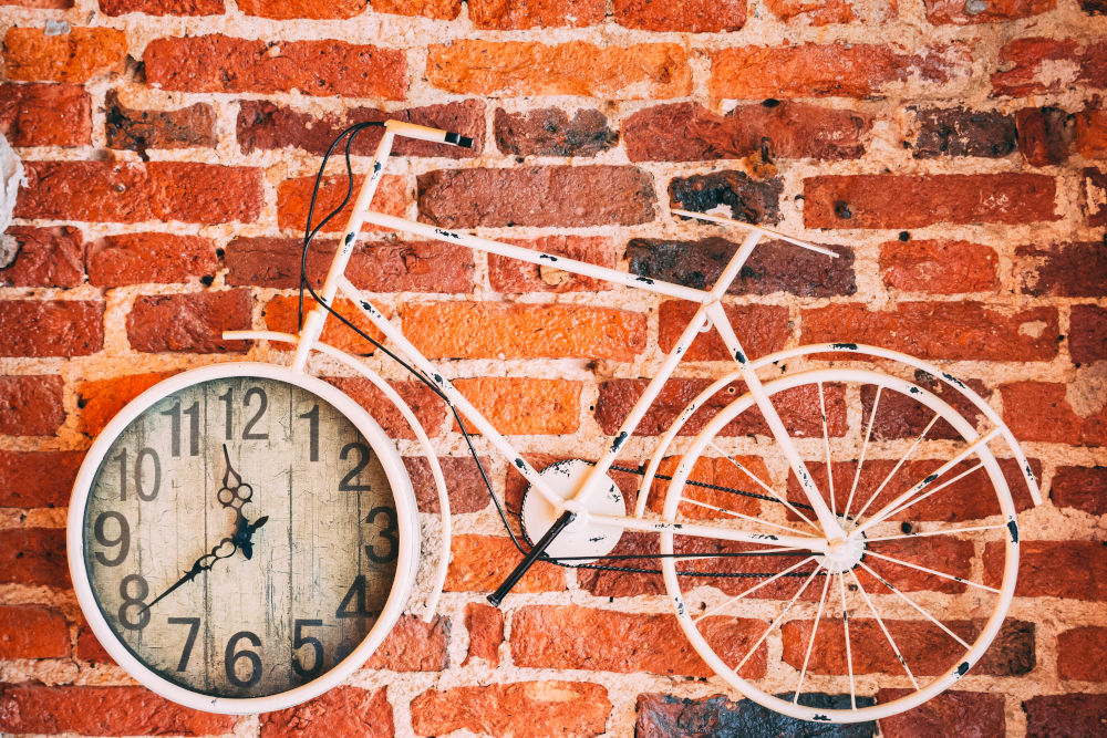 Bild von bemalter Backsteinmauer