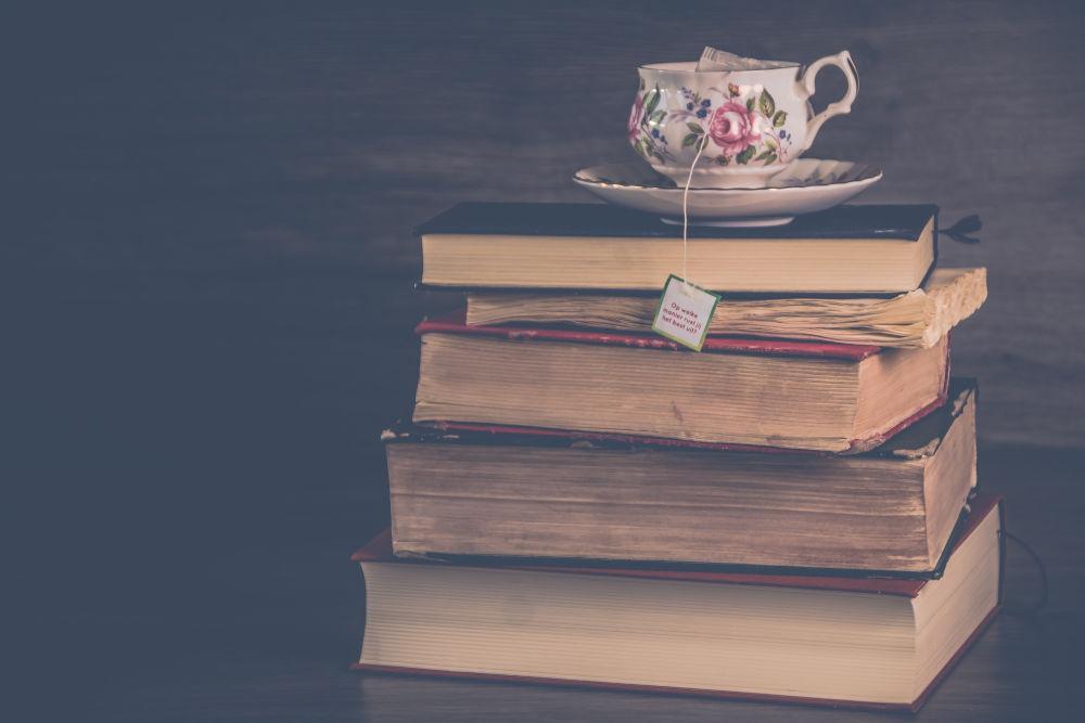 You are currently viewing Buchtipps für den Corona-November: Diese Bücher heben die Stimmung